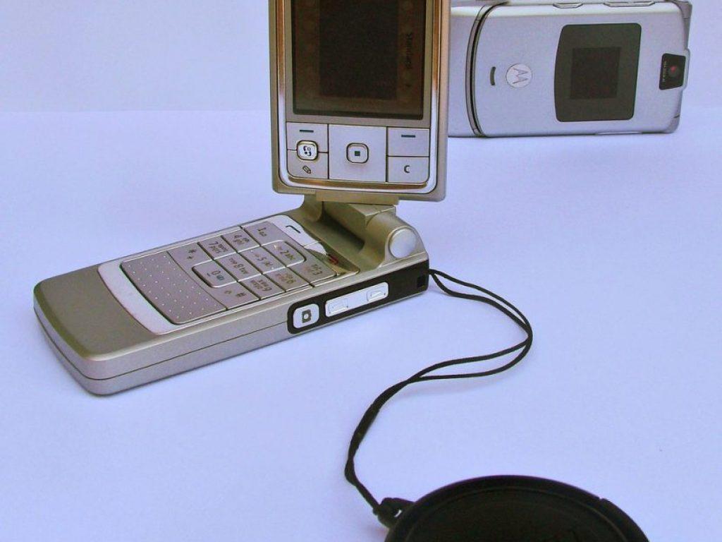 mobile-photocameras-1541403.jpg